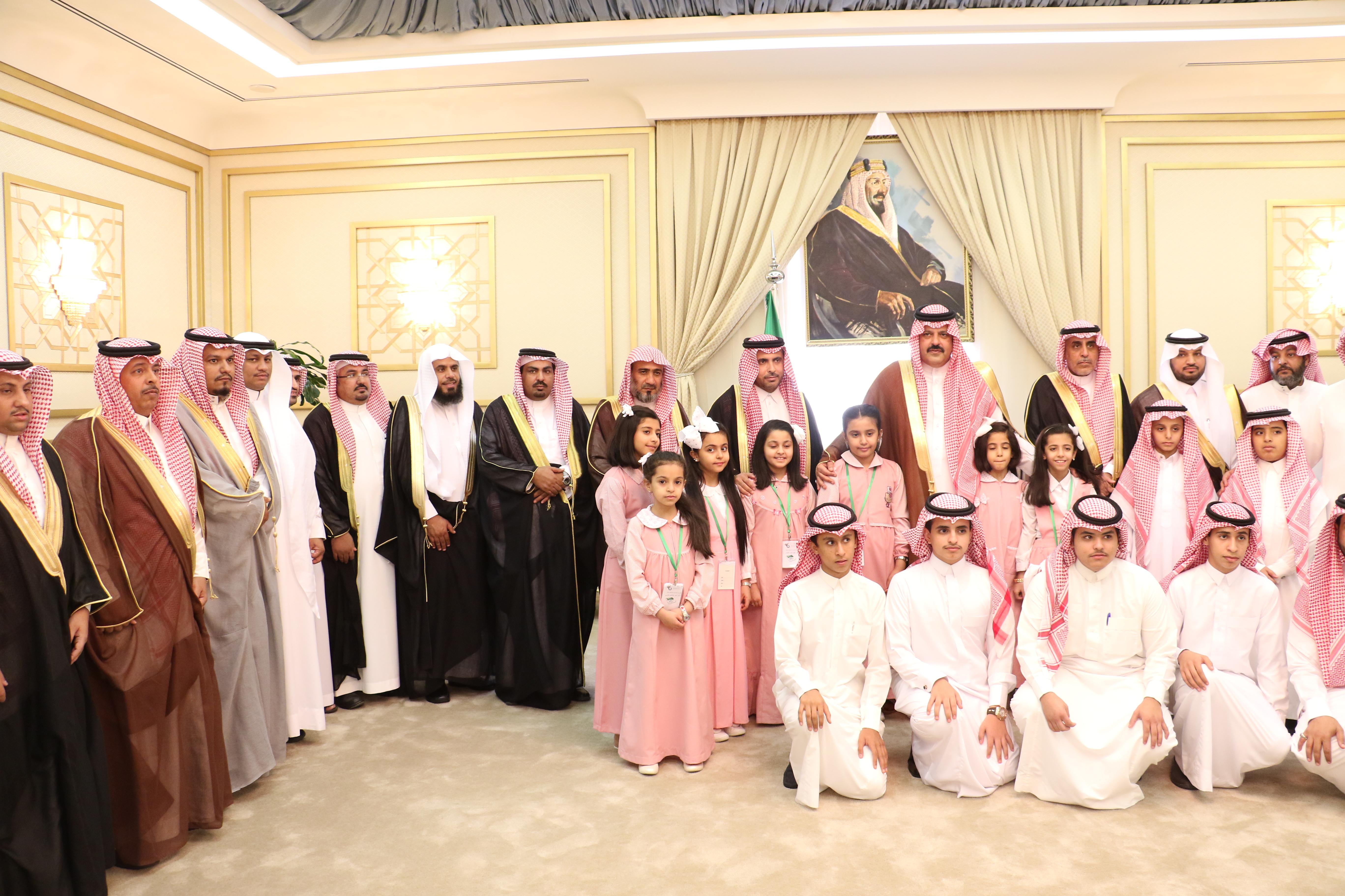 استقبال أمير منطقة حائل لقيادات تعليم حائل وممثلي المعلمين والطلاب والطالبات